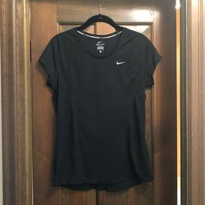 Black Nike short sleeve t-shirt